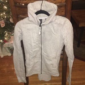 LULULEMON zip up w/ back detail